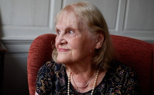 Danh tính bà cụ 90 tuổi với 5 tấm bằng cử nhân và thạc sĩ